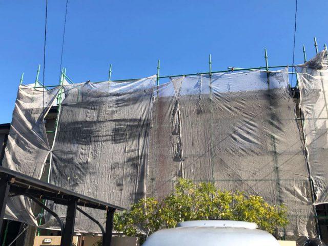 【宮崎県宮崎市】佐土原町で築19年の住宅で外壁と屋根の塗装工事足場