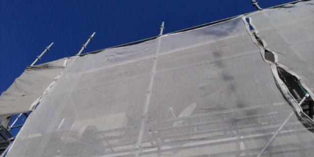 【宮崎県宮崎市】霧島にあるモルタル外壁の住宅で弾性プレミアムフィラーで塗装をした工事養生