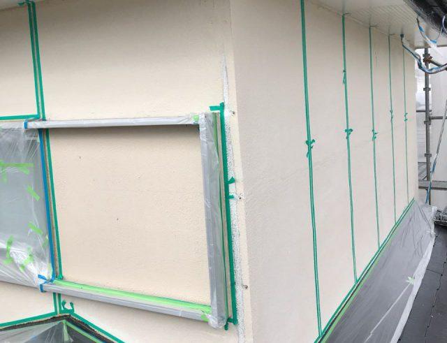 【宮崎県宮崎市】大字田吉でモルタル外壁とセメント瓦を塗装した工事養生下塗り