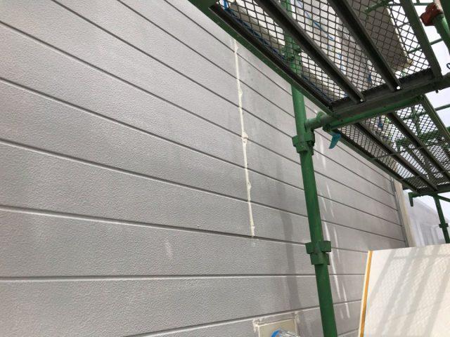 【宮崎県宮崎市】花山手にある42坪の住宅でコロニアル屋根と外壁の塗装工事シーリング
