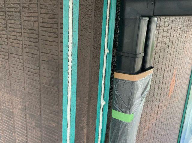 【宮崎県宮崎市】本郷にある41坪の住宅でスーパーセラタイトFを使った外壁塗装と、屋根の塗装工事シーリング充填