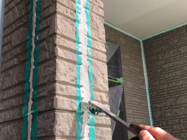 【宮崎県宮崎市】佐土原町で築19年の住宅で外壁と屋根の塗装工事シーリングおさえ