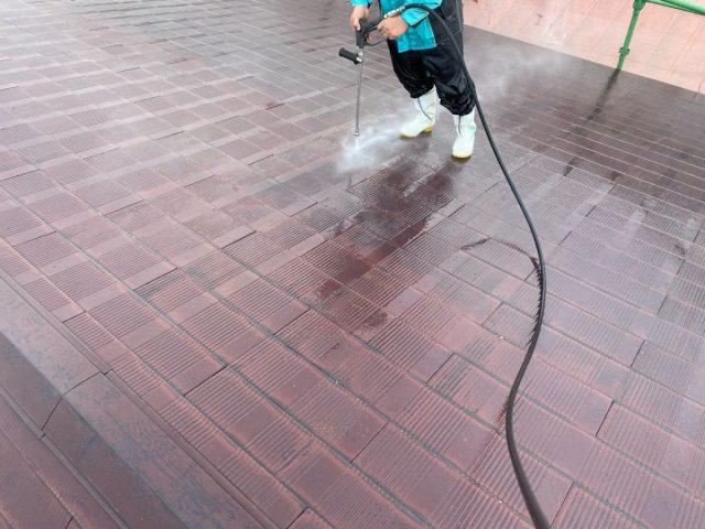 【宮崎県宮崎市】霧島の住宅でコロニアル屋根の高圧洗浄
