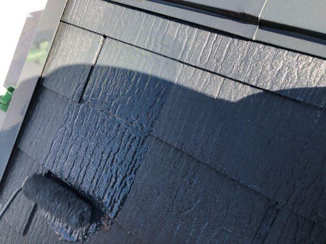 【宮崎県宮崎市】佐土原町で築19年の住宅で外壁と屋根の塗装工事屋根上塗り