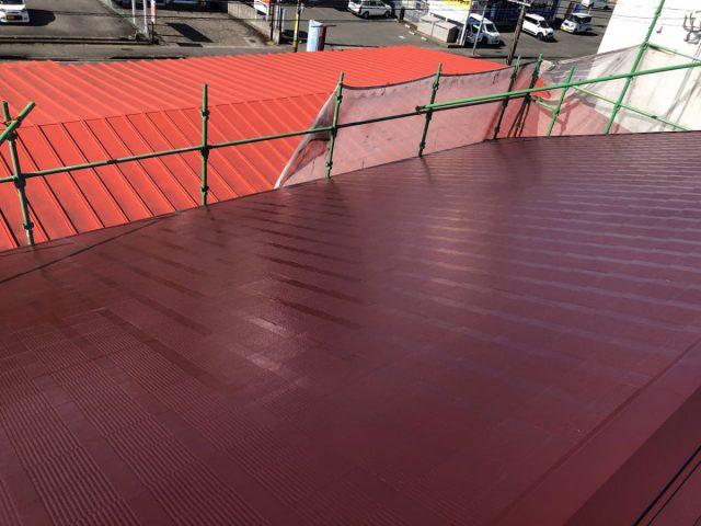 【宮崎県宮崎市】霧島の住宅でコロニアル屋根の中塗り