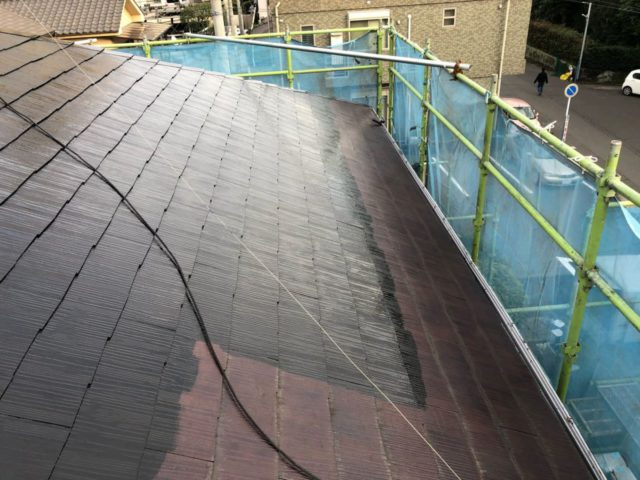 鹿児島市の屋根塗装工事中の様子