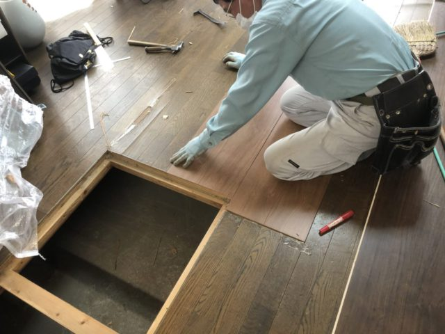 床の補修工事途中経過
