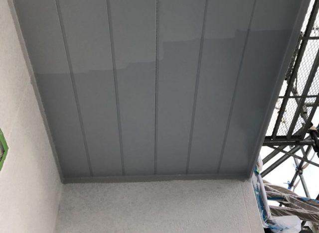 【宮崎県宮崎市】大坪東にあるアルミニウム製のバルコニーの住宅で外壁・屋根・付帯部塗装をした工事軒天
