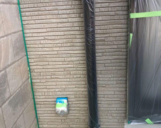 【宮崎県東諸県郡】国富町における陶器瓦の屋根がある住宅で外壁・付帯部塗装をした工事壁中