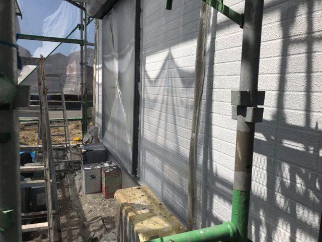 【宮崎県宮崎市】跡江にあるFRP防水のバルコニーの住宅で外壁・屋根・付帯部塗装をした工事壁下