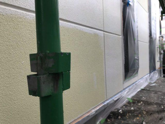 【宮崎県宮崎市】薫る坂にあるALC外壁の住宅で外壁・屋根・付帯部塗装をした工事屋根下