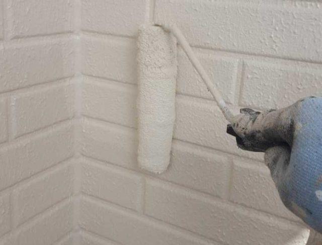 【宮崎県宮崎市】清武町加納乙にあるFRP防水のバルコニーの住宅で外壁・屋根・付帯部塗装をした工事壁上