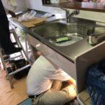 鹿児島市のキッチンリフォーム設置中の様子