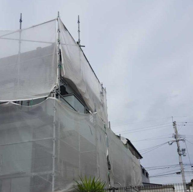 【宮崎県宮崎市】清武町加納乙にあるFRP防水のバルコニーの住宅で外壁・屋根・付帯部塗装をした工事養生
