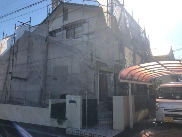 【宮崎県宮崎市】小松台西にある窯業系サイディングとセメント瓦の住宅で外壁・屋根・付帯部塗装をした工事養生