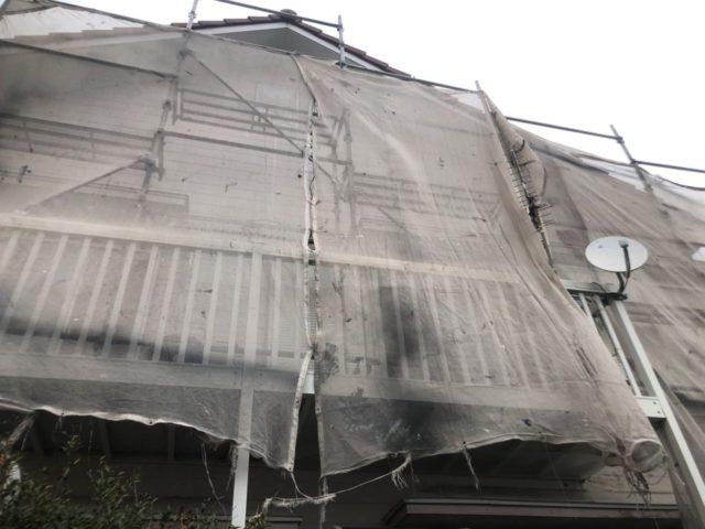 【宮崎県宮崎市】大字恒久のアルミニウム製バルコニーがある住宅で外壁・屋根・付帯部塗装をした工事養生