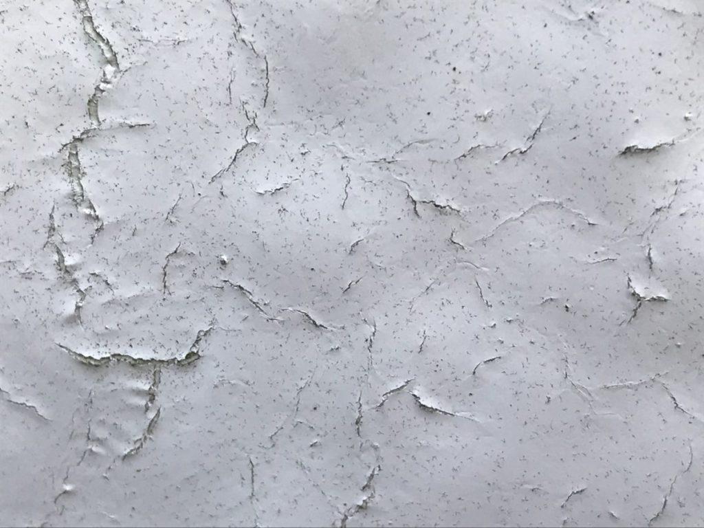 宮崎市大橋外壁屋根塗装工事前 塗膜ひび割れ