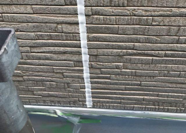【宮崎県東諸県郡】国富町における陶器瓦の屋根がある住宅で外壁・付帯部塗装をした工事シーリング