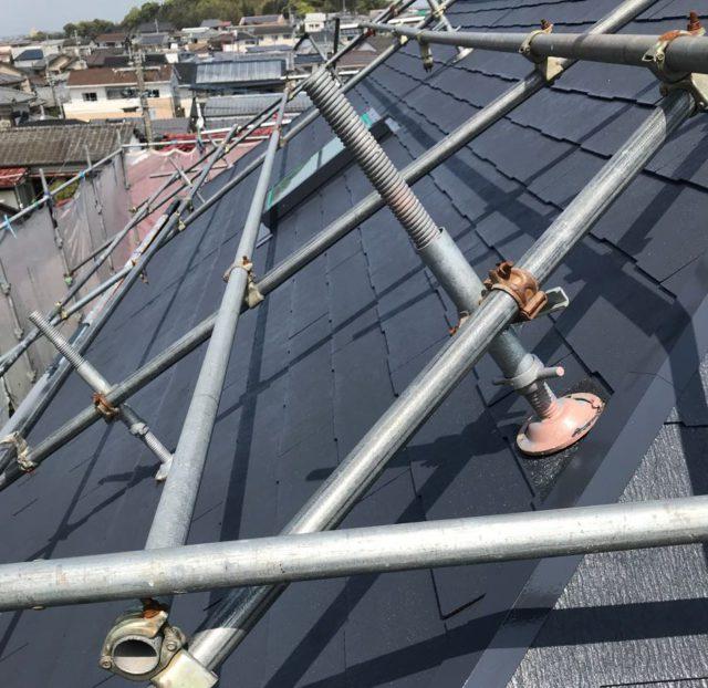 【宮崎県宮崎市】大坪東にあるアルミニウム製のバルコニーの住宅で外壁・屋根・付帯部塗装をした工事屋根中