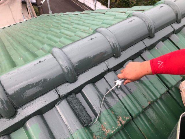 【宮崎県宮崎市】小松台西にある窯業系サイディングとセメント瓦の住宅で外壁・屋根・付帯部塗装をした工事屋根中