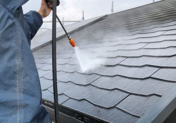 【宮崎県都城市】都北町にある29坪の住宅で外壁・屋根・付帯部塗装をした工事洗浄