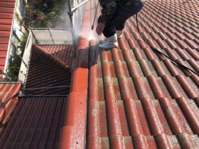 【宮崎県宮崎市】大字恒久のアルミニウム製バルコニーがある住宅で外壁・屋根・付帯部塗装をした工事洗浄