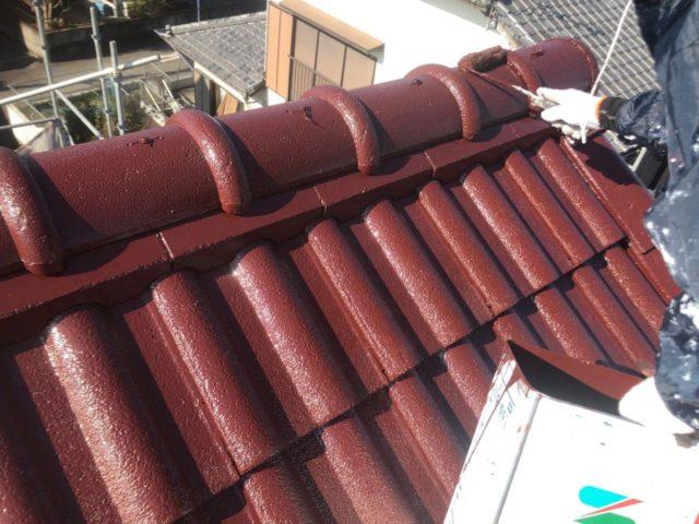 【宮崎県宮崎市】大字恒久のアルミニウム製バルコニーがある住宅で外壁・屋根・付帯部塗装をした工事屋根上塗り