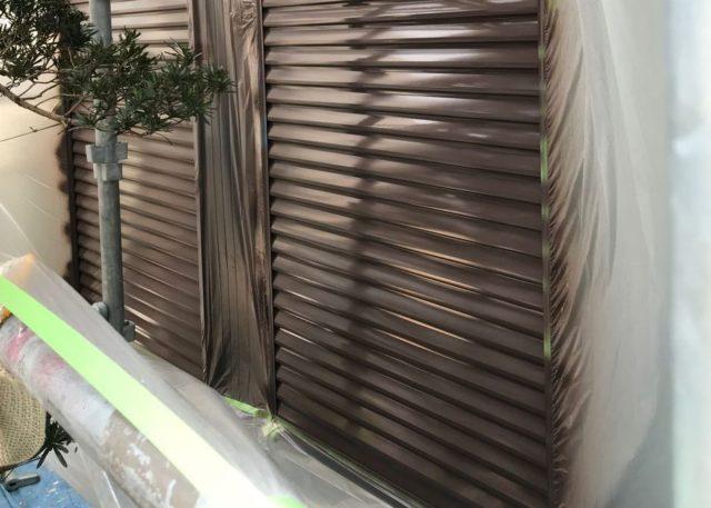 【宮崎県東諸県郡】国富町における陶器瓦の屋根がある住宅で外壁・付帯部塗装をした工事雨戸