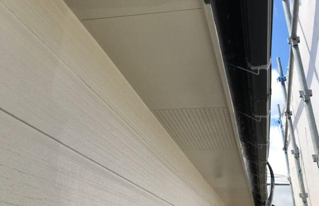 【宮崎県宮崎市】源藤町堤下にある35坪の住宅でシーリング補修をしていきます軒天上塗り_1_確定