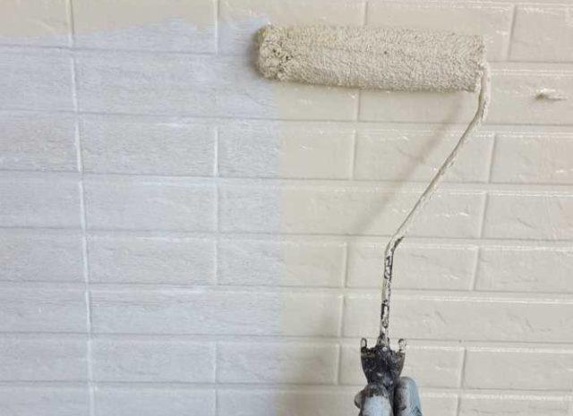 【宮崎県宮崎市】生目台西にある住宅で123平方メートルの外壁を塗装するために足場を設置します外壁中塗り_1_確定