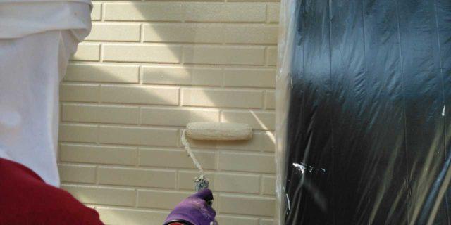 【宮崎県宮崎市】本郷北方にある34坪の住宅で窯業系サイディングを塗装するために足場を設置します外壁上塗り_1_予備1