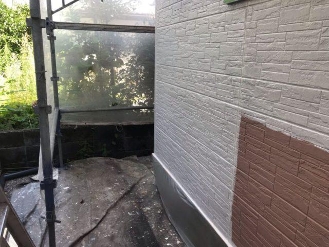 【宮崎県宮崎市】平和が丘東町にある45坪の住宅の外壁をラジカル塗装するために足場を設置しています外壁下塗り_1_確定