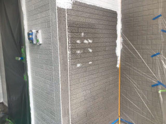 【宮崎県宮崎市】花ヶ島町立野にある45坪の住宅で外壁塗装のための足場を設置します外壁下塗り_1_確定