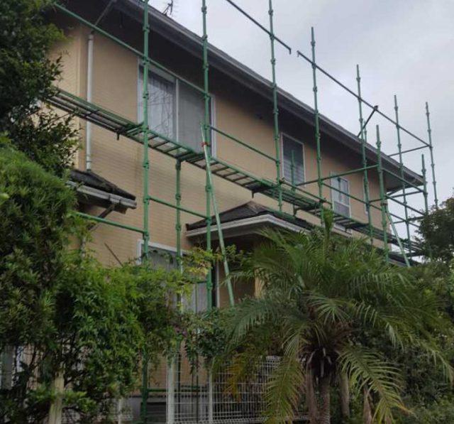 【宮崎県宮崎市】生目台西にある住宅で123平方メートルの外壁を塗装するために足場を設置します足場設置_1_確定