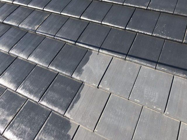 【宮崎県宮崎市】平和が丘東町にある45坪の住宅の外壁をラジカル塗装するために足場を設置しています屋根下塗り_1_確定