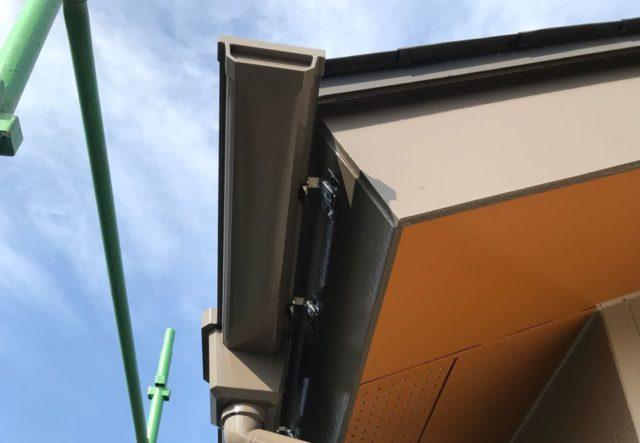 【宮崎県宮崎市】清武町池田台にある38坪の住宅で窯業系サイディングのシーリングをします雨樋上塗り_1_確定