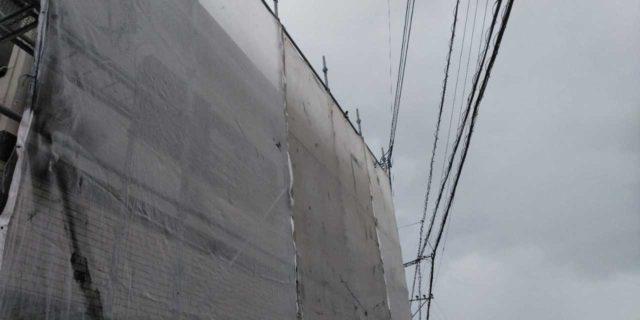 【宮崎県宮崎市】本郷北方にある34坪の住宅で窯業系サイディングを塗装するために足場を設置します水養生_1_確定