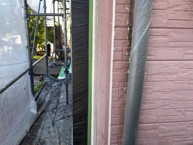 【宮崎県宮崎市】平和が丘東町にある45坪の住宅の外壁をラジカル塗装するために足場を設置していますシーリング完了_1_確定