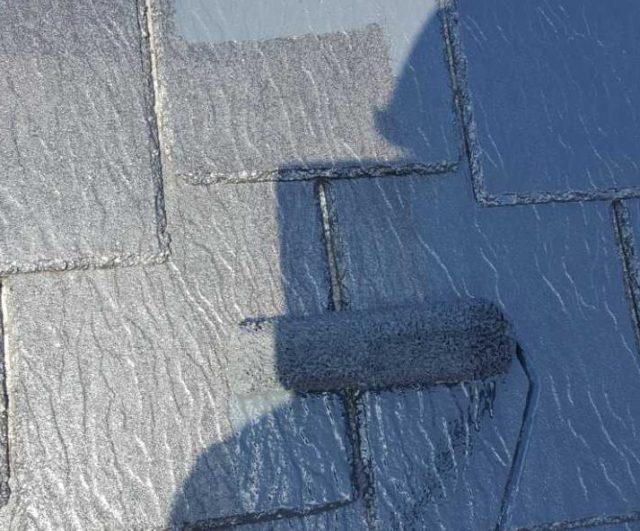 【宮崎県宮崎市】生目台西にある住宅で123平方メートルの外壁を塗装するために足場を設置します屋根中塗り_1_確定