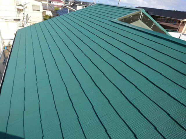 【宮崎県宮崎市】花ヶ島町立野にある45坪の住宅で外壁塗装のための足場を設置します屋根中塗り_1_確定