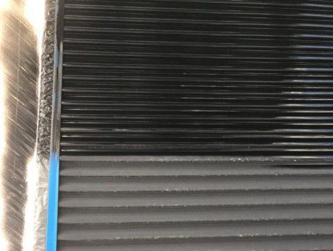 【宮崎県宮崎市】平和が丘東町にある45坪の住宅の外壁をラジカル塗装するために足場を設置しています雨戸上塗り_1_確定
