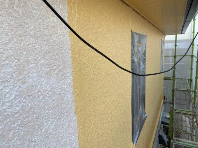 外壁塗装中の様子