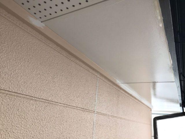 【宮崎県宮崎市】清武町にある33坪の住宅で窯業系サイディングを弾性スーパーセラタイトFで塗装していきます!軒天上塗り_1_確定