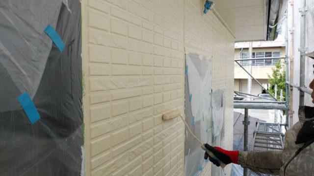 【鹿児島地域】サイディング外壁を肌色に、瓦屋根を緑色に塗装していきます!外壁上塗り_1_確定