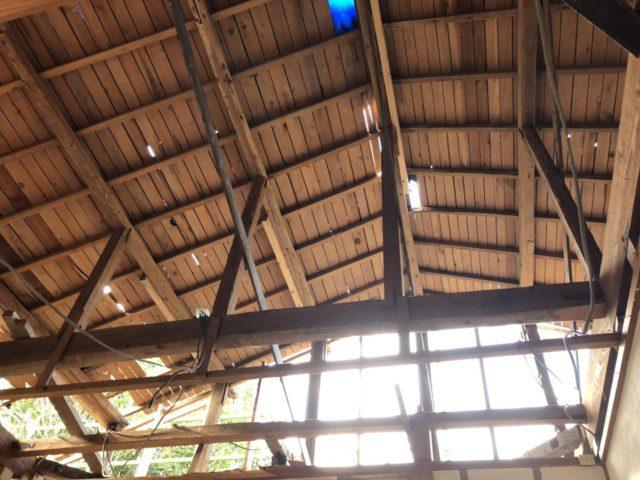 v屋根撤去後屋根裏の様子