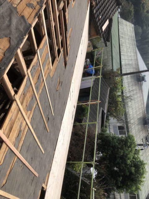 屋根の下地施工の様子
