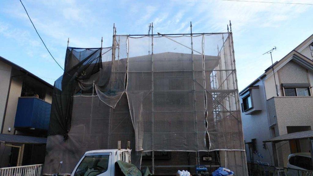 鹿児島市の塗装工事中仮設足場設置
