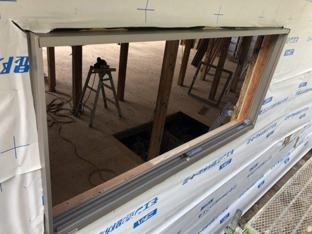 大規模改修の様子窓の設置