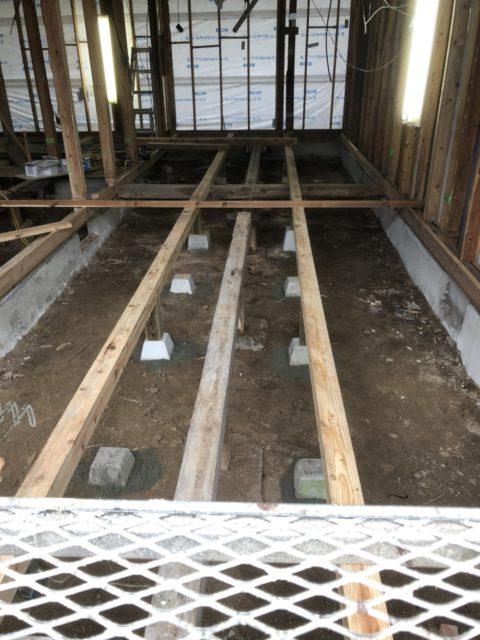 大規模リフォーム床の施工