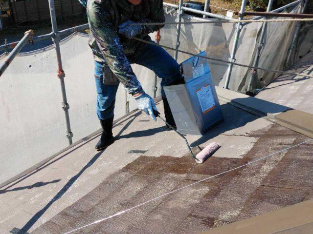 鹿児島市の屋根の塗装工事中